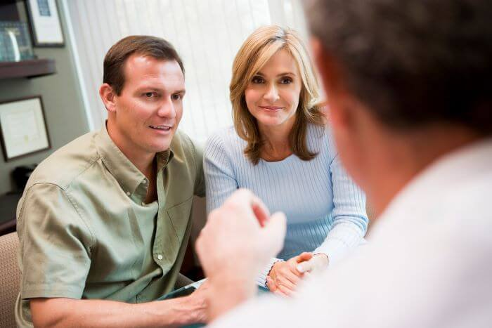 Couple consult IVF