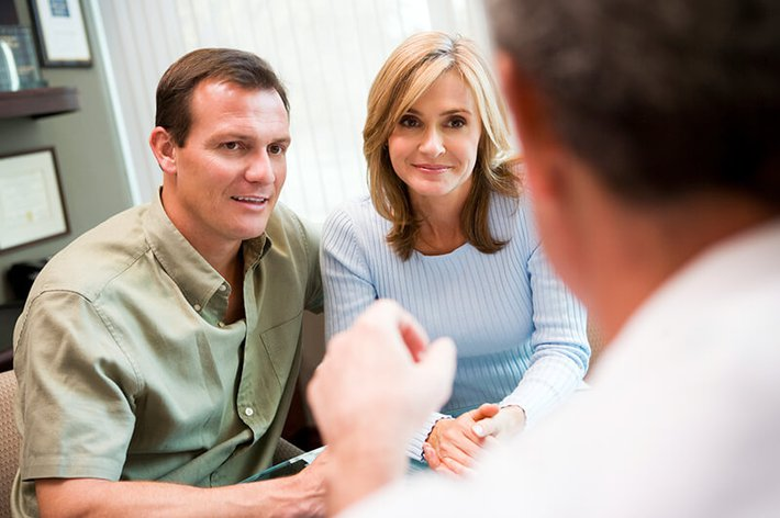 couple consulting ivf procedures